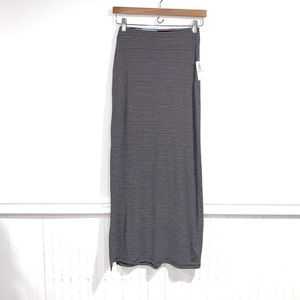 Old Navy skirt maxi slit on side xs NWT striped